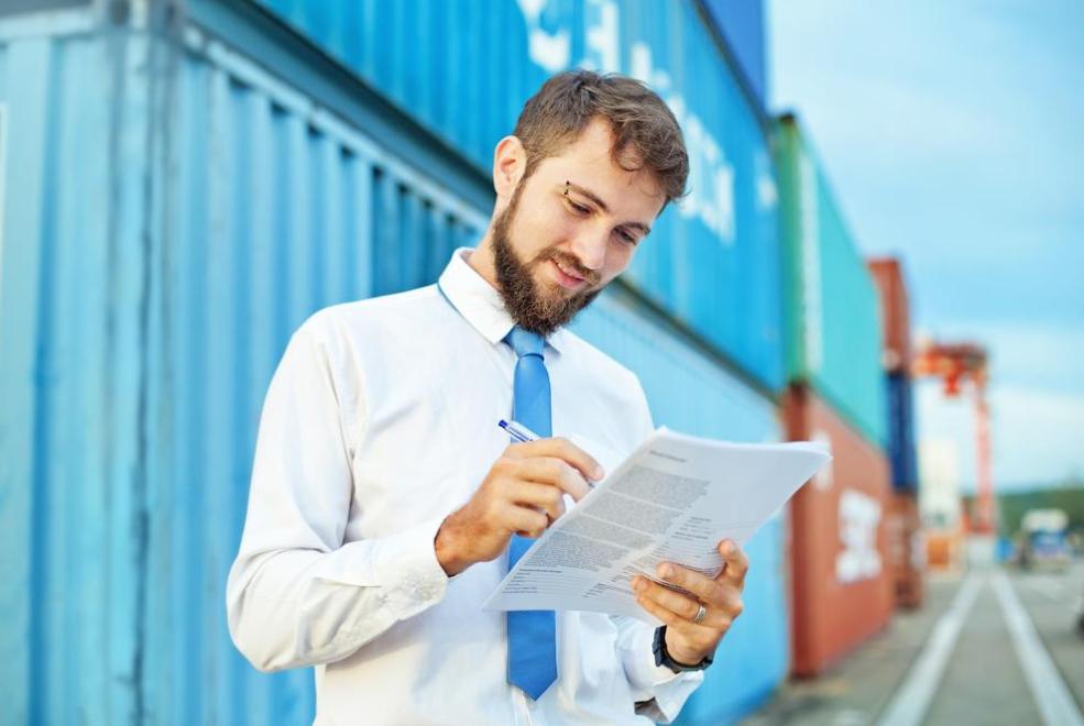 Apa sih Perbedaaan Logistics Indonesia dan Supply Chain?