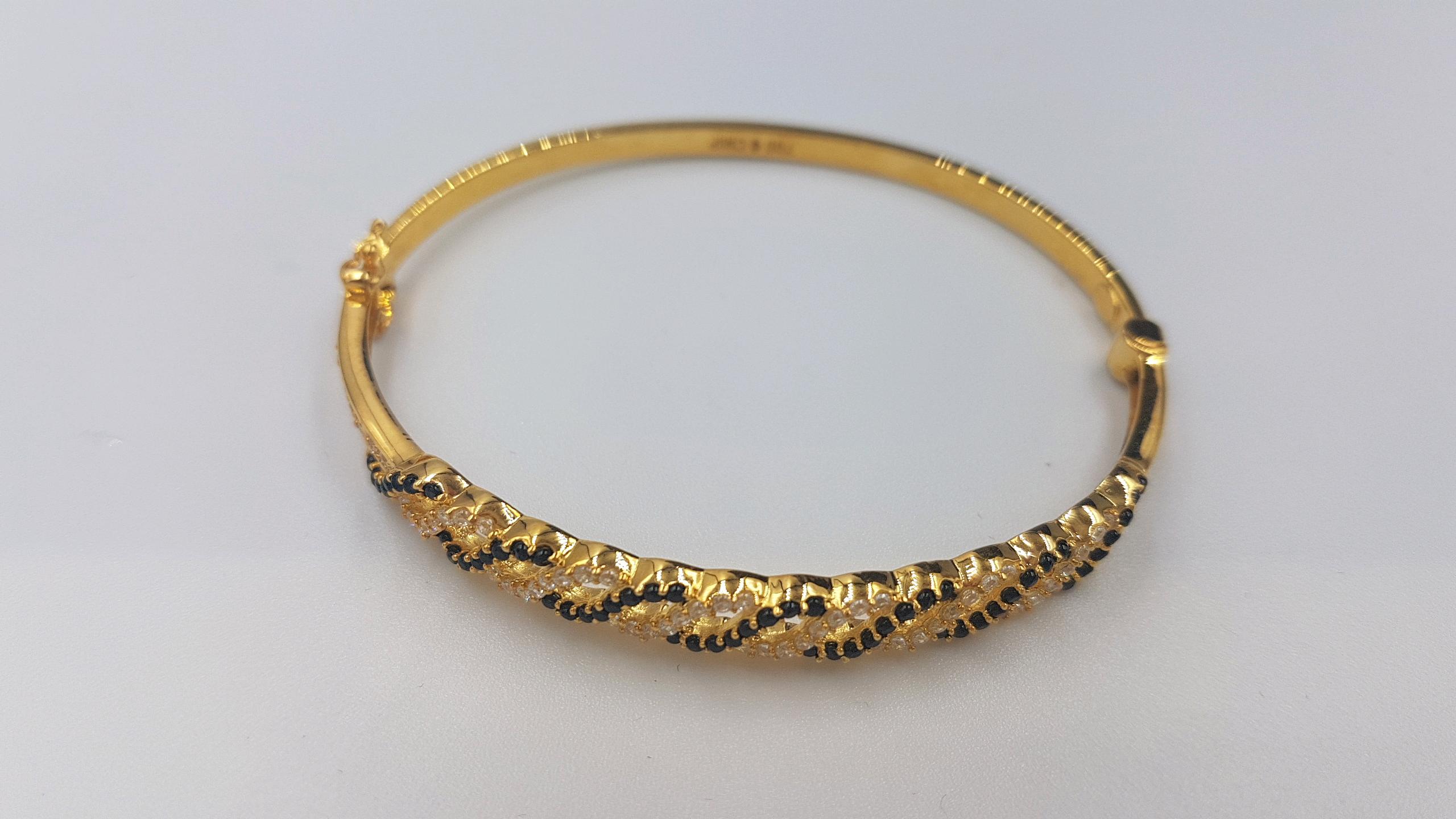 Jenis Gelang Emas Terpopuler Sepanjang Masa, Mana Pilihan Anda